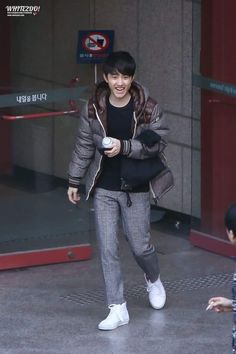 I love seeing his super excited laughing face Kyungsoo, Laughing Face, Chansoo, Exo Do, Do Kyung Soo, Kpop Exo, Actors & Actresses, Normcore, My Love