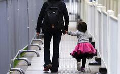 Οι χωρισμένες μητέρες αξίζουν σεβασμό   Pillowfights.gr Psychology, Bags, Fashion, Psicologia, Handbags, Moda, Fashion Styles, Fashion Illustrations, Bag
