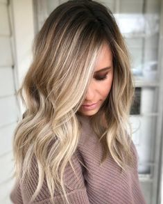 The Balayage highlights should be very close and soft at the root leading to a thicker highlight 2018 at the ends of the hairs for various hair lengths. See here the most charming and cute ideas of balayage hair colors to make you look more cute, sexy and Medium Hair Styles, Short Hair Styles, Natural Hair Styles, Updo Styles, Hair Styles Fall, Natural Updo, Ideas For Hair Styles, Colored Hair Styles, Light Colored Hair