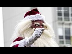 Auckland Farmers Santa Parade 2017. Part VI. Santa Claus is here!!!  He wishes Merry Christmas to everybody!