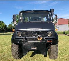 Mercedes Benz Unimog, Daimler Benz, Classic Mercedes, 4x4 Trucks, Toys For Boys, Farming, Offroad, Tractors, Friends
