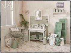 Shabby Dollhouse: Green bathroom...