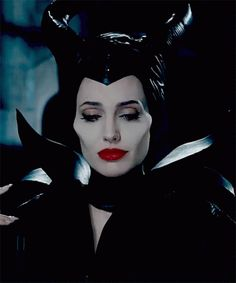 The perfect Maleficent AngelinaJolie Smile Animated GIF for your conversation. Discover and Share the best GIFs on Tenor. Maleficent Quotes, Maleficent Movie, Malificent, Angelina Jolie Gif, Angelina Jolie Maleficent, Gifs, Disney Villains, Disney Pixar, Film Serie