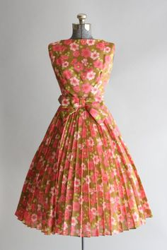 Vintage 1950s Dress / Suzy Perette / by TuesdayRoseVintage #Repin