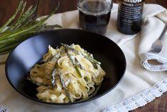 Tallarines con esparraguitos y queso azul