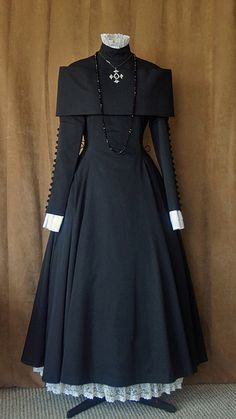 Dress: Atelier Boz  Blouse, underskirt: F+F Jewelry: Offbrand