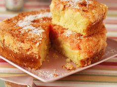 Découvrez la recette Gâteau pommes et coco sur cuisineactuelle.fr.