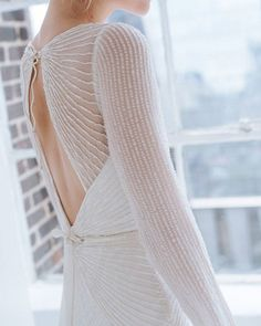 The CASSIE gown @kwhbridal. Photography - @marilynbartman I Model - @carolinathelin I Follow us @kwhbridal