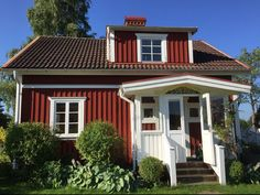 Top 10 Ferienhäuser am See in Småland, Schweden - Hej Sweden Ferienhaus in Småland am See - Haus Lena Swedish Cottage, Swedish House, Stunning View, Farmhouse Decor, The Good Place, Places To Go, Beautiful Places, Sweet Home, Shed