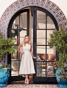 Inside Lauren Conrad& Elegant, Light-Filled Home in the Pacific Palisades Spanish Revival Home, Spanish Style Homes, Spanish House, Spanish Bungalow, Spanish Style Interiors, Hacienda Style Homes, Spanish Style Bathrooms, Boho Glam Home, Spanish Modern