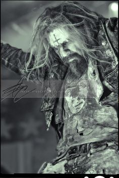 Rob Zombie ♥ I must meet this man before either one of us passes away. I want a v.i.p. meet and greet!