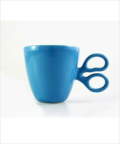 Cut through the morning chill with a hot mug of coffee. Handmade in Queretaro, the scissor handle gives it a unique appeal. Great gift for a tailor, crafter, hairdresser or fashion designer. Choose yo