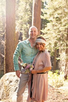 A sweet and small fashionable wedding among the sequoias | Offbeat Bride
