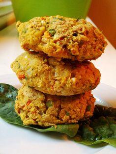 Spiced Rel Lentil Chickpea Cakes via Red Lentil Recipes, Veg Recipes, Vegetarian Recipes, Healthy Recipes, Healthy Treats, Lentil Burgers, Vegan Burgers, Chickpea Cakes, Vegan Main Dishes