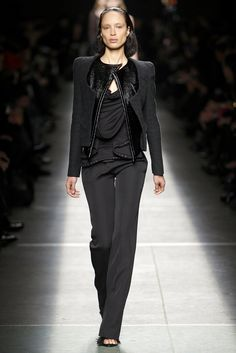 Givenchy Fall 2009 Ready-to-Wear - Collection - Gallery - Style.com