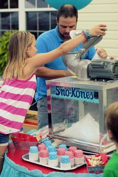 Creative Tots » Blog Archive » Back to School Carnival: Snow Cone Table