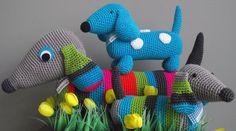 cute crochet dachshund must try to find a pattern Knit Or Crochet, Cute Crochet, Crochet Toys, Crochet Pattern, Amigurumi Patterns, Knitting Patterns, Weenie Dogs, Crochet Animals, Dachshund Love