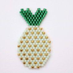 « #mintpineapple #broche #ananas #macramyellecréation #creation #bijoux #etsy »
