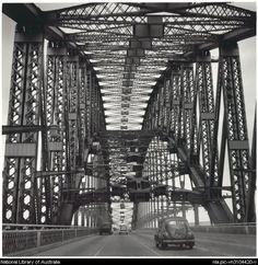 Peak hour, Sydney Harbour Bridge, 1952