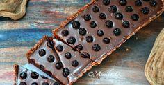 Nepečený čokoládový dort s vlašskými ořechy a borůvkami