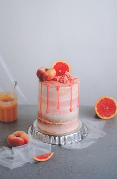 Bolo semi naked de toranja // Grapefruit semi naked cake