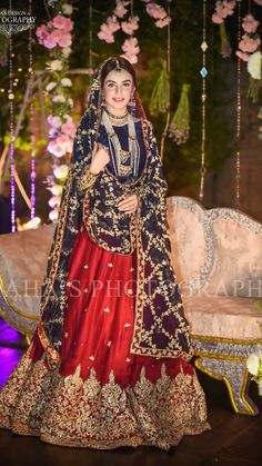 How To Look Your Best On Your Wedding Day. Photo by petramafalda On your big day, all eyes will be on you so you definitely want to look your best. If you can do your own makeup flawlessly then this Bridal Mehndi Dresses, Pakistani Wedding Outfits, Bridal Dress Design, Pakistani Bridal Dresses, Pakistani Wedding Dresses, Pakistani Dress Design, Bridal Outfits, Pakistani Couture, Bridal Lehenga