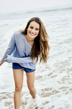 Hi my name is Lea. I am 20 years old now and just moved back to the small town I grew up in. I am single