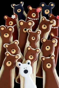 Fun and Simple Bear Cookies | The Bearfoot Baker (scheduled via http://www.tailwindapp.com?utm_source=pinterest&utm_medium=twpin&utm_content=post126361421&utm_campaign=scheduler_attribution)