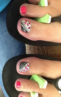 Super cute toe nail art
