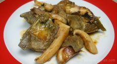 Qué ricas y sencillas estas alcachofas con sepia!. En casa nos gusta mucho esta verdura por lo que la cocino de muy diversas formas y, cocinada de esta