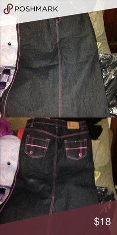 Denim blue jean skirt Blue jean skirt with pink trim. No stains. Split in the back Goddess Skirts A-Line or Full