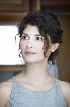Audrey Tautou. -- I could see Avenn being pretty and adorable like her, just with that biker-girl attitude
