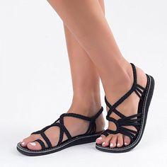 Plaka Sandals, Classic Black, Size 5, Palm Leaf