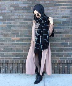 2016 Winter Hijab Fashion Street Style  http://www.ferbena.com/2016-winter-hijab-fashion-street-style.html