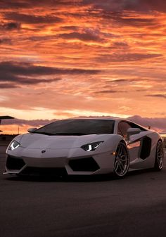 Lamborghini amazingcars lamborghini lamborghiniclassiccars cars carros carrosesportivos best 4 door sports cars in the world best pictures cars Lamborghini Aventador, Huracan Lamborghini, Ferrari Car, White Lamborghini, Sports Cars Lamborghini, Koenigsegg, Cool Sports Cars, Sport Cars, Cool Cars
