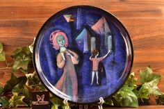 Pillin Pottery Child Flying Kite Blue Plate Kite Flying, Plate Display, Blue Plates, Modern Ceramics, Mid-century Modern, Pottery, Create, Children, Glass