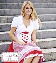 Anne et Marie 2015 von Tian van Tastique - Austrian, Alpine, Tyrolean Fashion