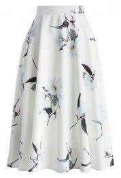 Com uma camisa roxa. Glam Jasmine A-line Midi Skirt - New Arrivals - Retro, Indie and Unique Fashion Led Dress, Dress Skirt, Midi Skirt, Dress Up, Modest Fashion, Unique Fashion, Womens Fashion, Fashion Fashion, Cute Skirts