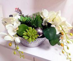 Białe storczyki w srebrnym naczyniu nr. 139 Plants, Atelier, Plant, Planets