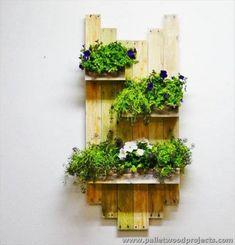 25 Inspiring DIY Pallet Planter Ideas - Page 2 of 5 - Easy Pallet Ideas Wall Garden Indoor, Garden Planters, Hanging Planters, Pallet Wall Hangings, Diy Pallet Wall, Pallet Planter Box, Planter Boxes, Planter Ideas, Pallet Ideas Easy