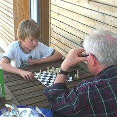 2 Generationen beim Schach, Altersunterschied 63 Jahre