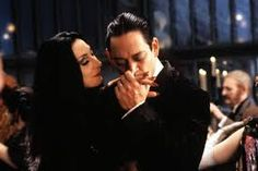 In honor of Halloween, let& take a look at one of pop-culture& greatest couples: Gomez and Morticia Addams. What makes their relationship work? Addams Family Morticia, Los Addams, Morticia And Gomez Addams, Die Addams Family, Addams Family Values, Adams Family, Addams Family Tattoo, Addams Family Quotes, Raul Julia