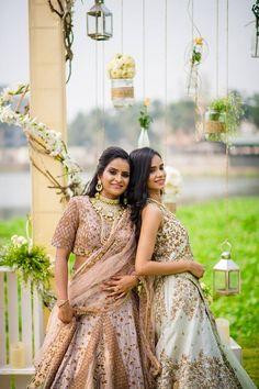 'Me & My Besties' - A Bridesmaids Photoshoot by ZoWed! Bridesmaid Poses, Wedding Bridesmaids, Bridesmaid Dresses, Wedding Dresses, Sibling Poses, Lucky Girl, Friend Wedding, Ethereal, Weddingideas