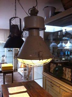 Industriele lamp  www.gigameubel.nl