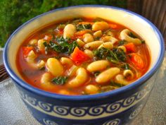Tomato Macaroni Soup with White Beans & Kale Low Fat Recipe.healthy and yummy! Healthy Cooking, Healthy Eating, Healthy Recipes, Healthy Foods, Fat Foods, Eating Clean, Veggie Recipes, Delicious Recipes, Soup Recipes