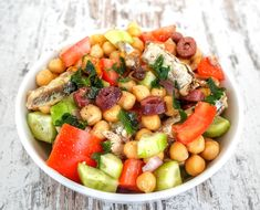 Chickpea Recipes, Vegetable Recipes, Healthy Recipes, Healthy Salads, Easy Mediterranean Diet Recipes, Mediterranean Dishes, Sardine Salad, Grilled Sardines, Power Salad