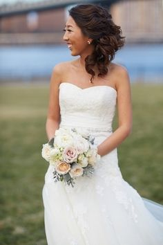 A simple, clean and sophisticated bouquet of flowers was perfect for this bride on her wedding day.   http://onthegobride.com/2015/06/sophisticated-brooklyn-inspired-wedding    http://whymanstudios.com/