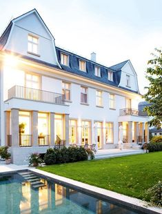 Ahhhh I love the windows and the pool and omg it's like dream dream dream home #dream #home <3<3 Visit http://www.thatdiary.com/ for guide + advice on #lifestyle