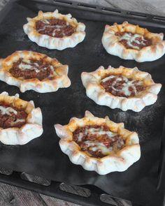 Lindas hemgjorda Gorbys piroger Ost, Griddle Pan, Snacks, Desserts, Tailgate Desserts, Appetizers, Deserts, Grill Pan, Postres