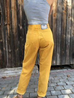 Vintage corduroy pants Yellow corduroy trousers Ladies corduroy trousers High Waist pants Made in Italy Vintage yellow corduroy pants. Trouser Outfits, Pants Outfit, Grunge Outfits, Fashion Outfits, Women's Fashion, Short Outfits, Cute Outfits, What To Wear Today, How To Wear